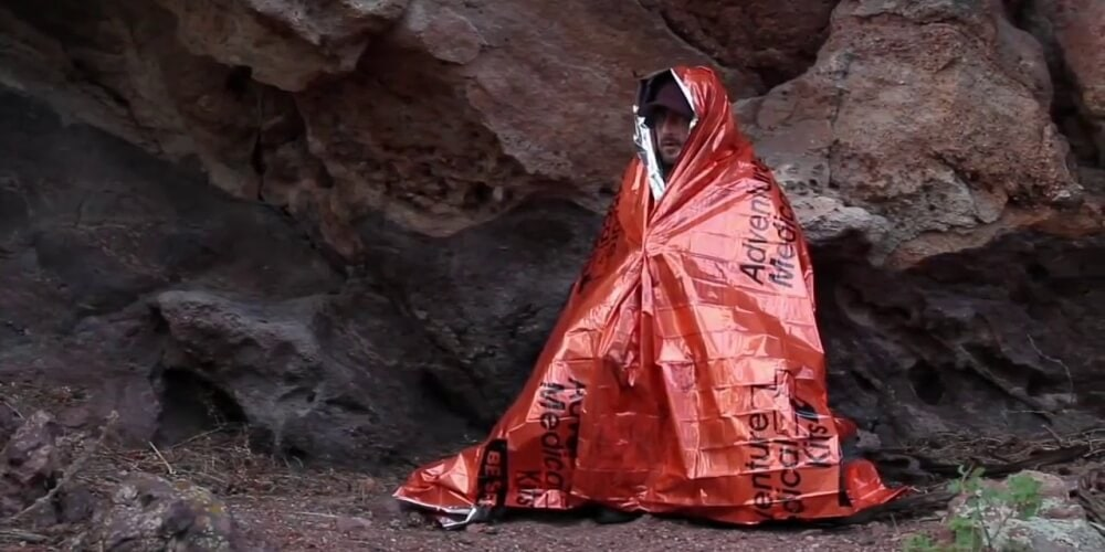 How do Emergency Blankets Work